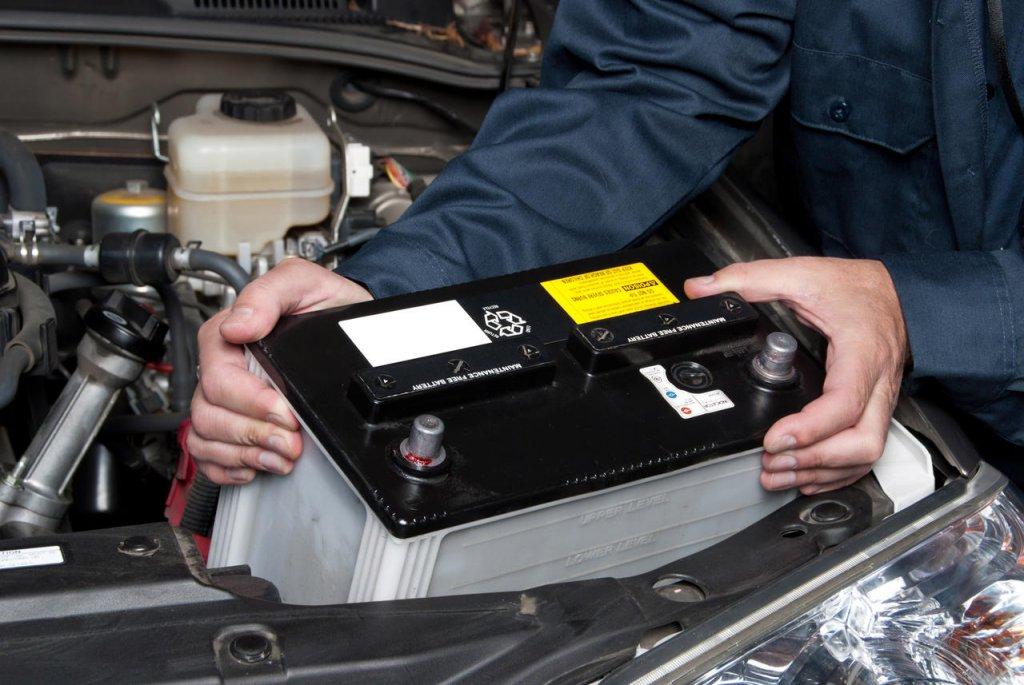 dịch vụ thay bình ắc quy ô tô ở Nhà Bè